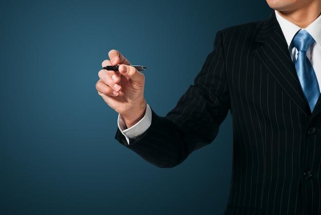 書く、画面に描くビジネスマン Premium写真