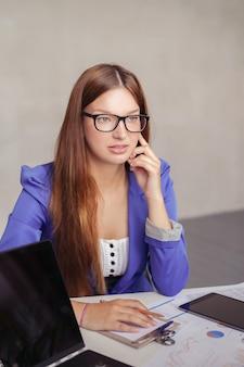 Imprenditrice in ufficio