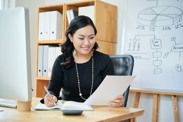 Businesswoman planning work