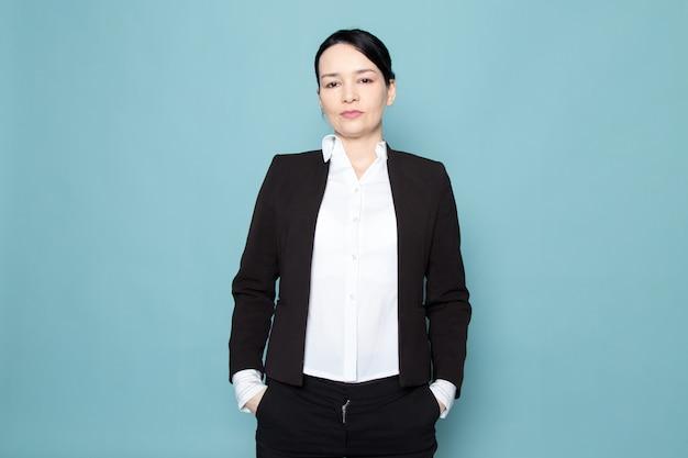Posa della donna di affari