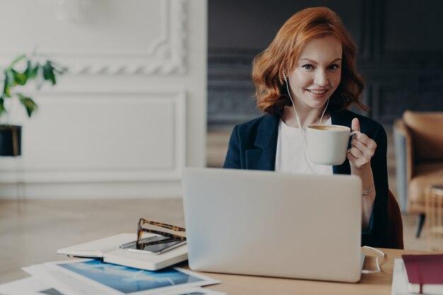 Businesswoman using a laptop