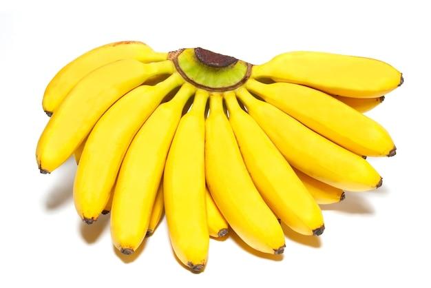 Бутч маленьких бананов, изолированные на белом фоне