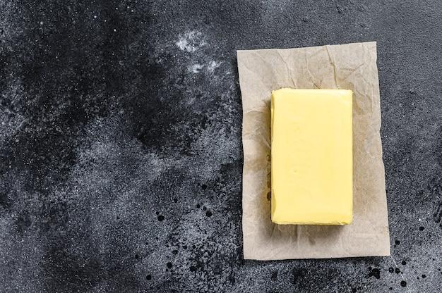 공예 종이에 버터, 낙농 제품 프리미엄 사진