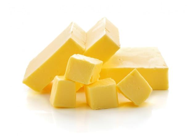 흰색 배경에 버터