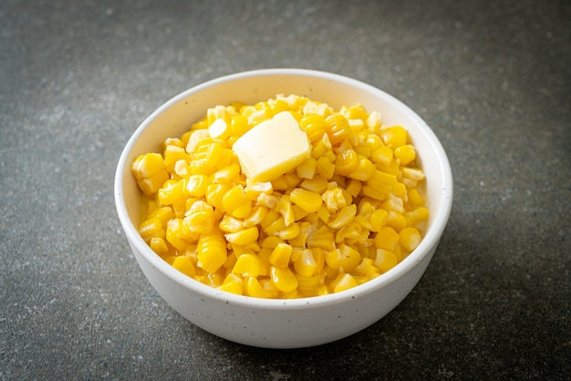 Buttered corn or sweet corn with butter