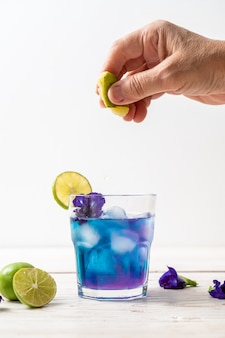 Butterfly pea juice with lime