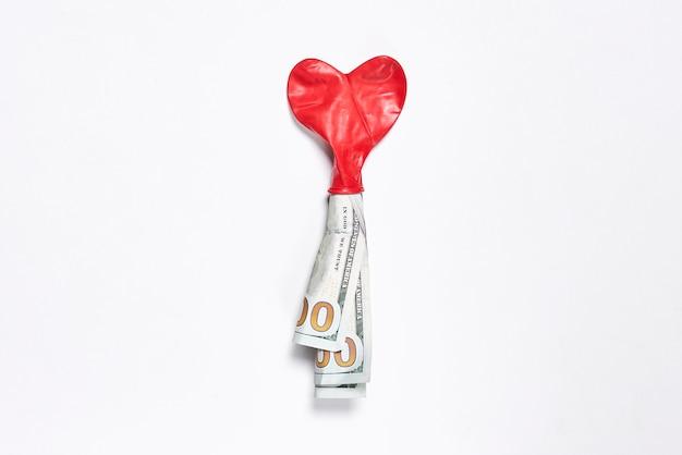 사랑 개념 심장 모양 풍선과 돈 돈을 구입하고 돈 개념에 대한 사랑 사랑