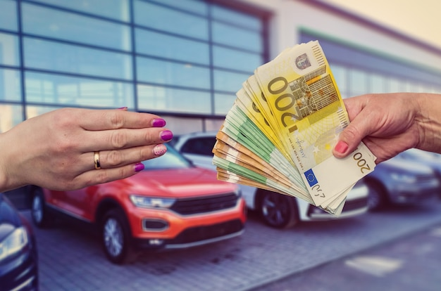 The buyer gives the seller a euro to enter into a contract to buy or lease a car.
