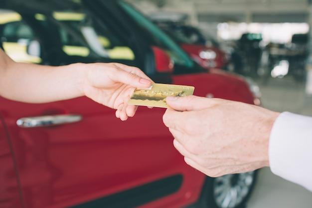 Buying new car using credit card