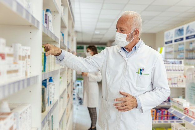 Buying and selling medicines, doctor's advice and help to find medicines on the shelf