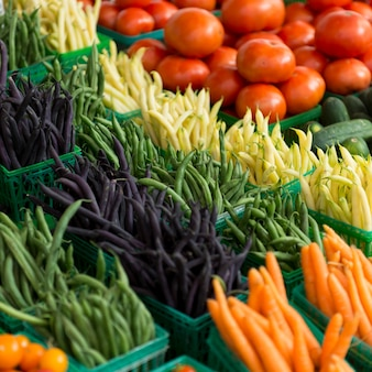 マーケット・ストールで販売する野菜、byward market、ottawa、ontario、canada