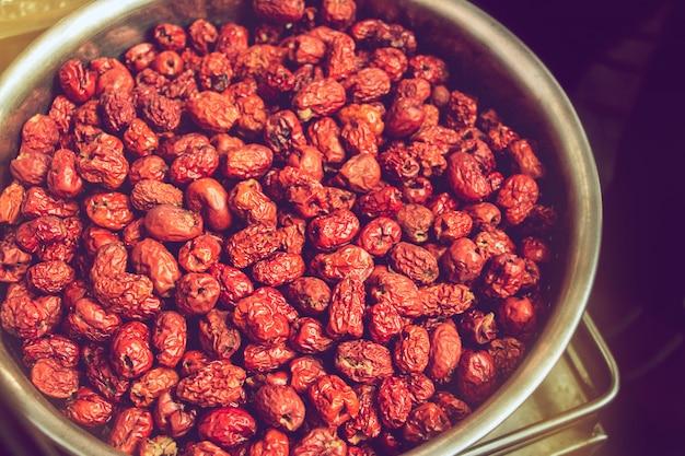 乾燥ナツメヤシまたはナツメ、ビタミンc含有量が最も高い果物