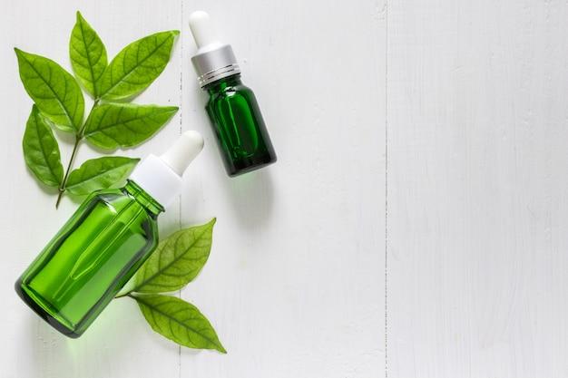 皮膚の治療や治療、にきびやダークスポットのエッセンシャルオイル製品のためのライムエキスビタミンc