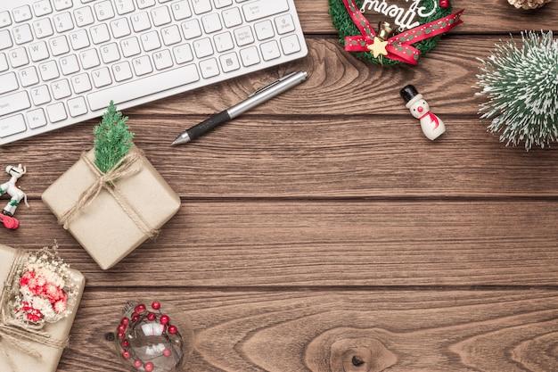メリークリスマスオフィス作業スペースデスクトップc
