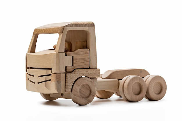 트레일러가없는 나무로되는 장난감 트럭의 오두막