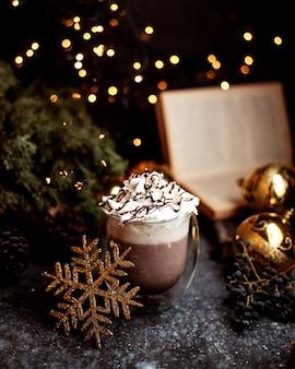 Cacao con panna montata sopra