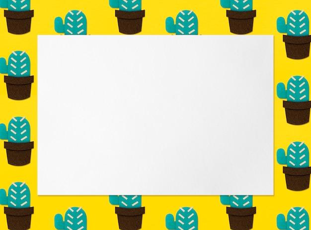 Рамка для бумаги из кактуса