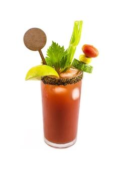Напиток цезарь, канадский национальный коктейль, напиток, приготовленный в честь дня победы