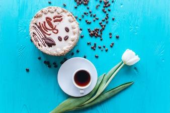 Cake coffee and tea