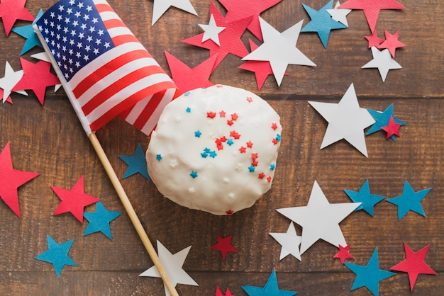 Cake and flag for independence day
