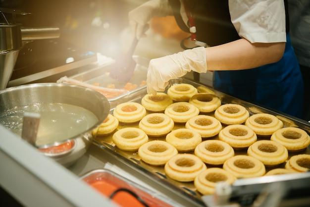 Cake making. baumkuchen