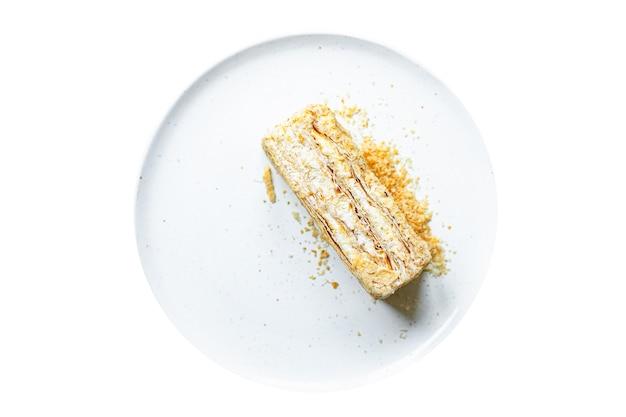 Торт наполеон слоеное тесто millefeuille и сливочный крем десерт сладкий кусок