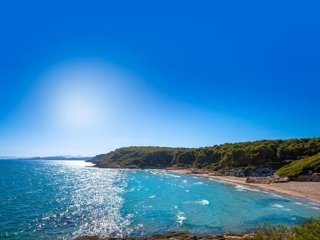 Cala de roca plana beach in tarragona