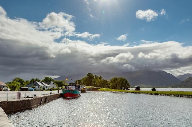 Каледонский канал в корпусе в шотландии 19 мая 2011 г.