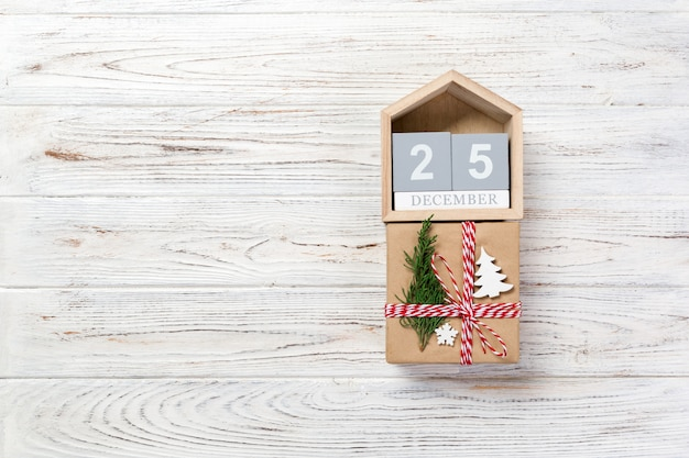 Calendar with date 25 december and gift boxe