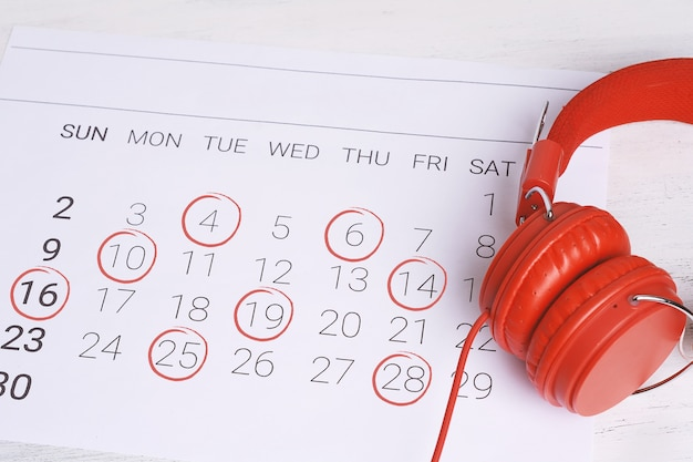 Calendar with headphones.