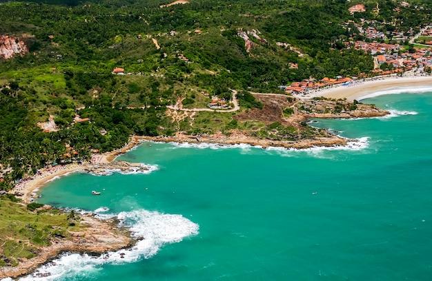 レシフェペルナンブコブラジルの近くのcalhetasビーチ空撮