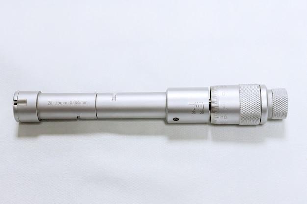 교정 보어 마이크로미터. 구멍 직경의 정확한 측정을 위한 장치.