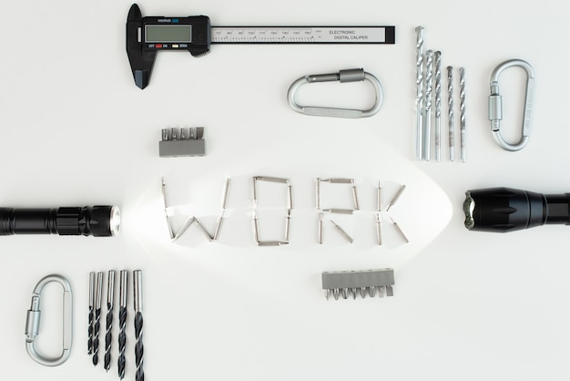 キャリパーは白い背景で隔離。たくさんのツール