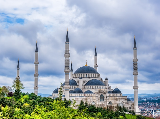 Camlica mosque largest mosque in asia minor