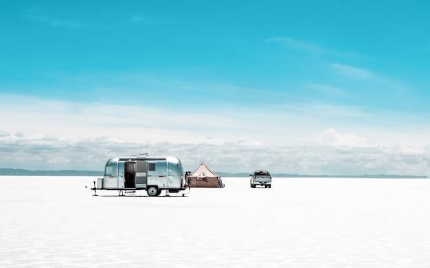 ウユニ塩原でのキャンプ