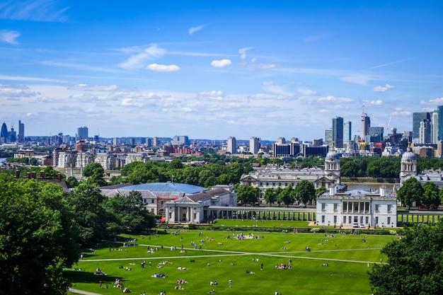 Кэнэри-уорф вид от гринвич-парк, лондон, великобритания