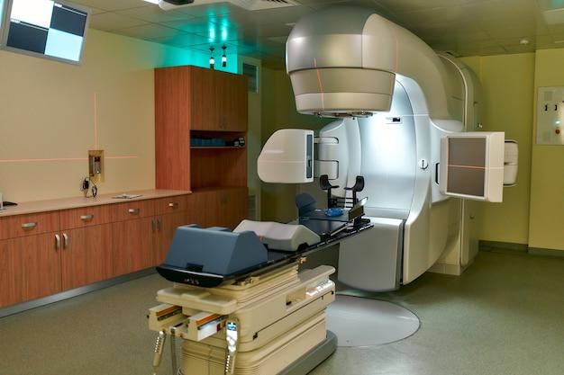 암 치료, 치료 종양학의 첨단 의료 선형 가속기