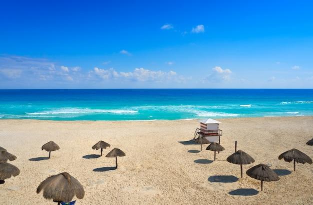 Cancun playa delfines beach riviera maya