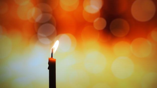 Свеча в темноте