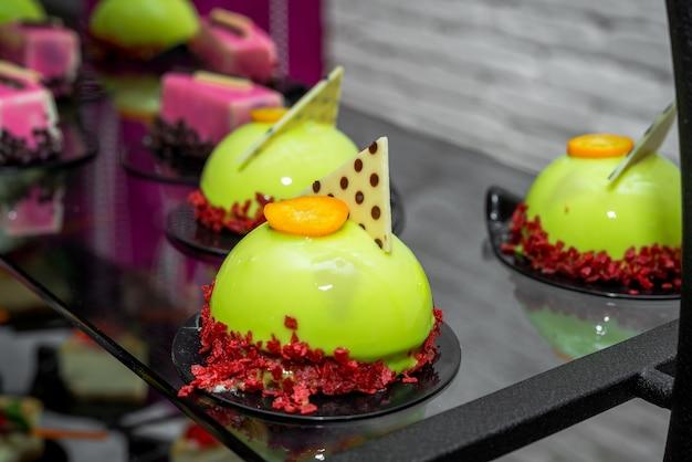 Candy bar, вкусные фруктовые десерты, кейтеринг в ресторане