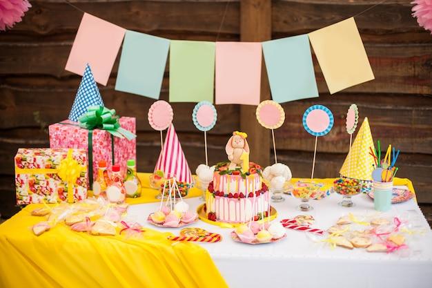 子供の誕生日パーティーのキャンディバー