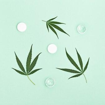 식물 유래 천연 성분을 함유 한 대마초 미용 제품