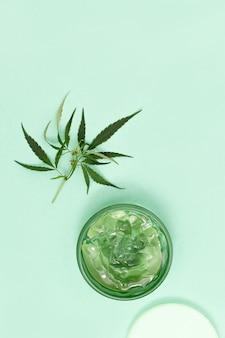 植物由来の天然成分を含む大麻美容製品。