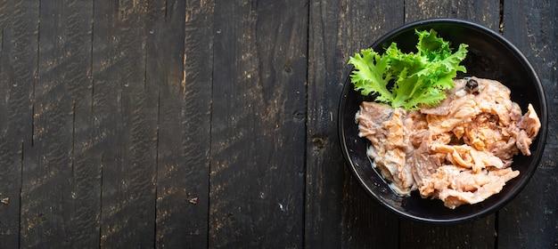 연어 통조림 장기 보관 식품 식품 유기농 제품 식사 간식 테이블 복사 공간 식품