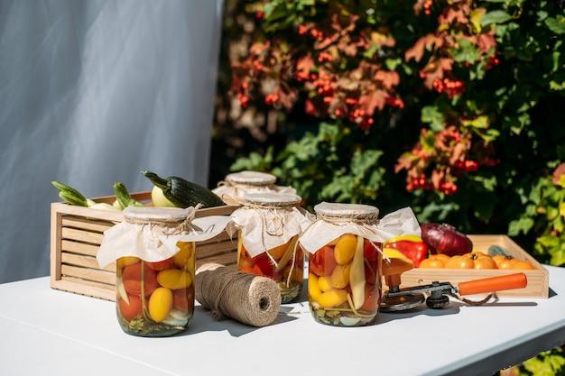 トマトピーマンの缶詰庭野菜保存ズッキーニ野菜缶詰野菜