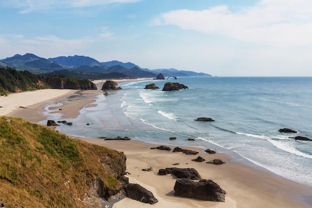 キャノンビーチ、オレゴンコースト、米国