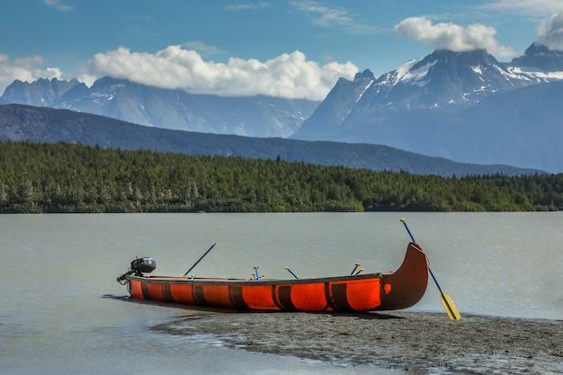 アラスカでのカヌー