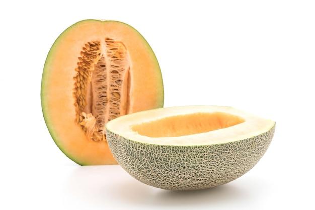 Melone di cantalupo su bianco
