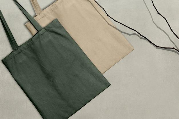 Сумка-тоут из плотной ткани в минималистском стиле