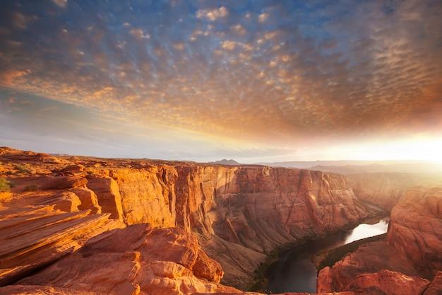 アメリカ合衆国、ユタ州のコロラド川の峡谷